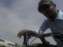 انظر ماذا حدث لابراهيم الميرغني عندما قرر امتطاء الدراجة ،حلاً لزحمة الخرطوم وغلاء الوقود والنظر من زاوية مختلفة؟