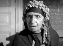 حكاية أشهر عجوز في السينما المصرية