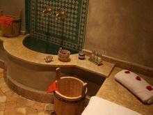المغرب: مغربية تصور النساء عاريات داخل حمام الحي