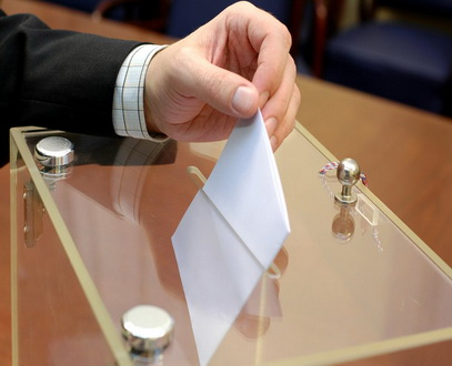 إجازة مقترح يسمح للمغتربين بالتصويت لانتخابات المجلس الوطني