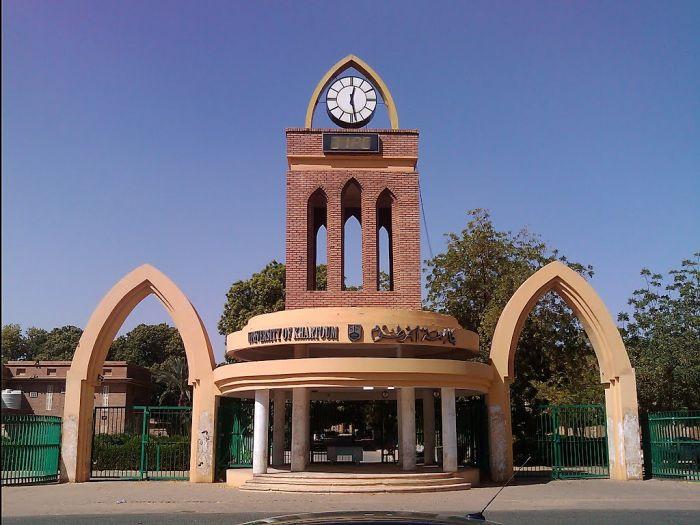 عميد كلية الطب جامعة الخرطوم: فجوة كبيرة في أساتذة الطب بالبلاد