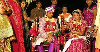 عروس هندية تتزوج من أحد الضيوف لإصابة العريس بنوبة صرع أثناء زفافهما