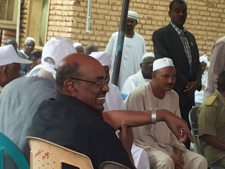تواضع الرئيس السوداني عمر البشير %D8%AA%D9%88%D8%A7%D8%B6%D8%B9-%D8%A7%D9%84%D8%A8%D8%B4%D9%8A%D8%B1