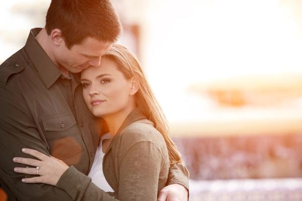 أسئلة تدفع المرتبطين للخوف من الزواج