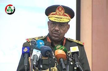 البشير يصدر قرار بتغييرات في رئاسة أركان الجيش السوداني