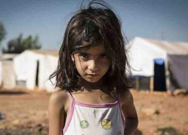 صورة تتهكم على طفلة سورية