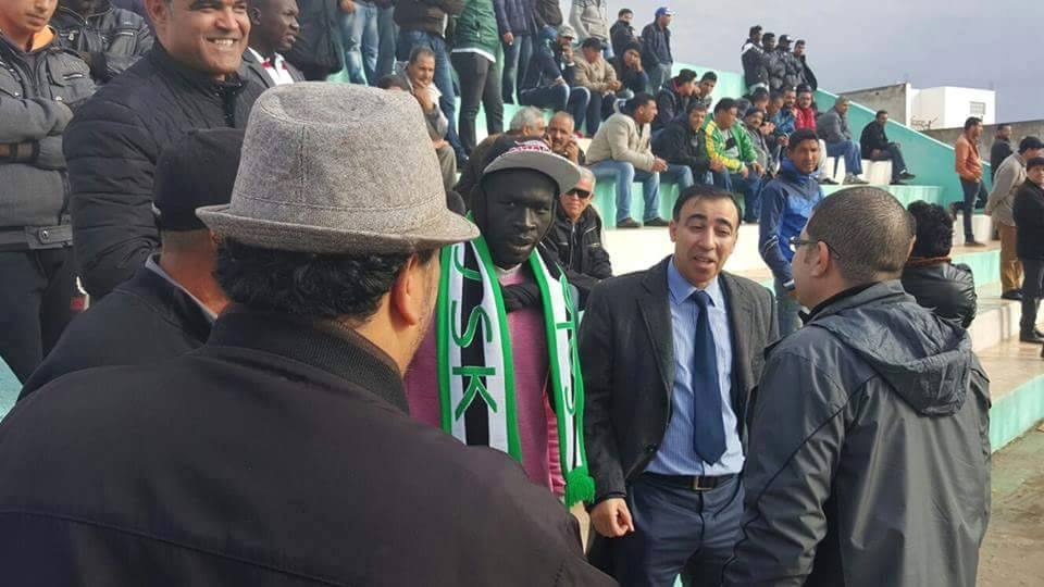 """اللاعب السوداني الضجة """"شيبوب"""" يظهر مسانداً لفريقه التونسي في أول مواجهة بعد توقيعه.."""