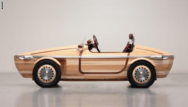 سيارة خشبية تويوتا