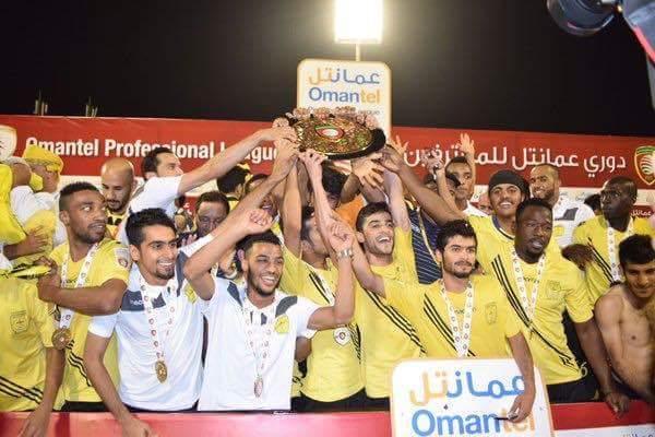 اللاعب السوداني سامي الأمين يساعد فريقه العماني على تحقيق بطولة الدوري