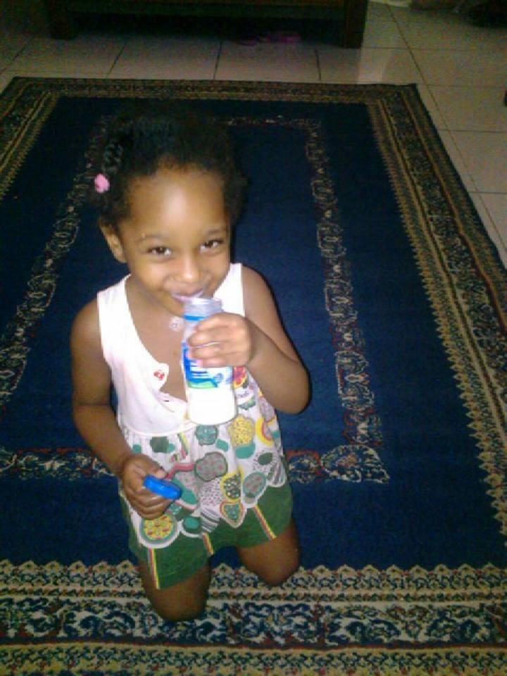 الطفلة السودانية التي سقطت من الطابق التاسع بامارة الشارقة