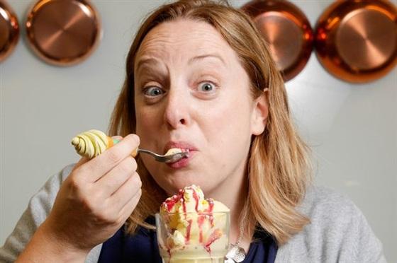سيدة ايسكريم طعام اكل