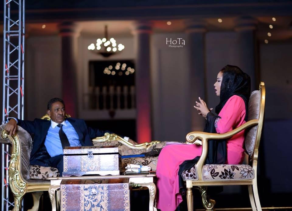 المذيعة السودانية عفراء فتح الرحمن تحاور السيسي وسبدرات من داخل البيت الأبيض