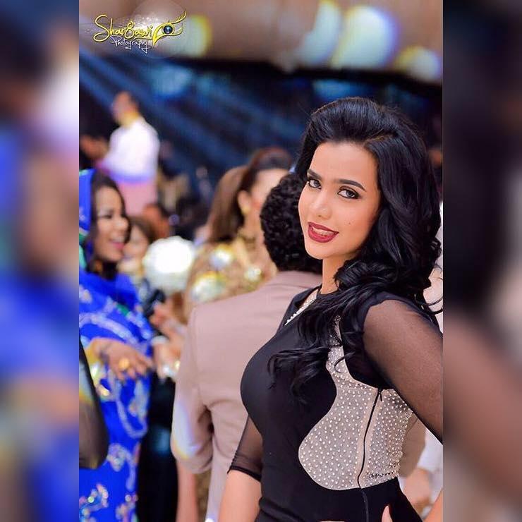 """الحسناء السودانية """"لوشي"""" تغادر إلي الإمارات وتصيب المعجبين بالحسرة"""