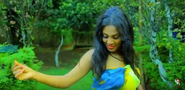 """حسناوات أثيوبيا يقدمن فواصل من الرقص على أنغام الأغنية السودانية """"أنت عارف"""""""