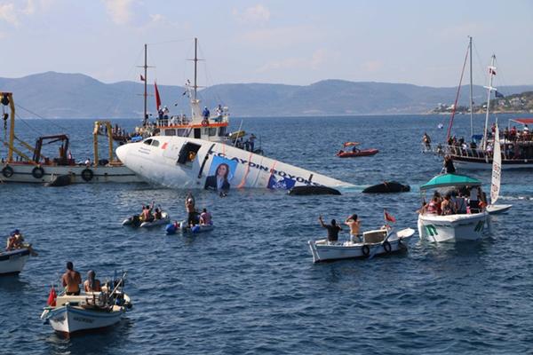 تركيا تغرق طائرة إيرباص