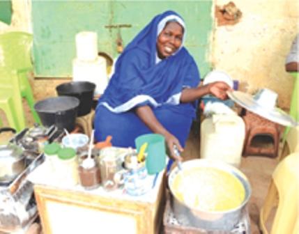 سامية محمد أشهر معدة و بائعة إفطار رمضان