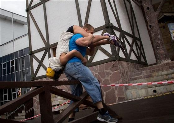 سباق حمل الزوجات في أوفا بروسيا3