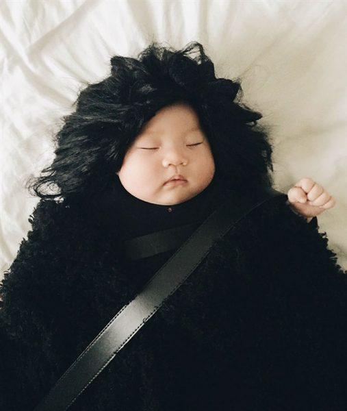 أطفال أصبحوا مشهورين وهم نائمون