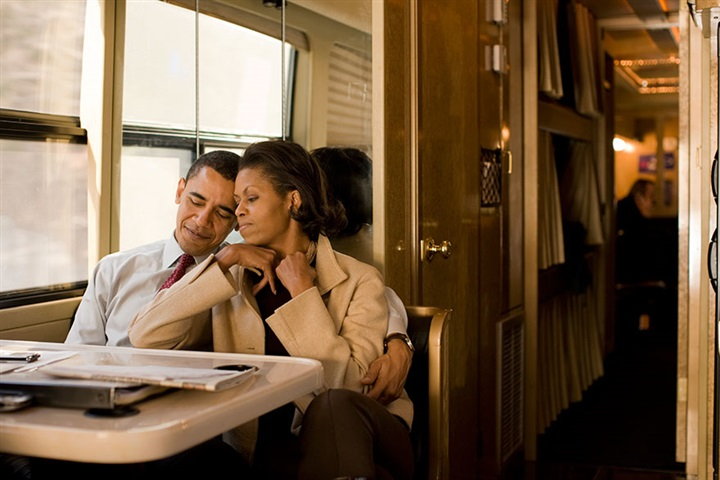 لقطات مذهلة لقصة حب باراك وميشيل أوباما من 1989 حتى الآن5