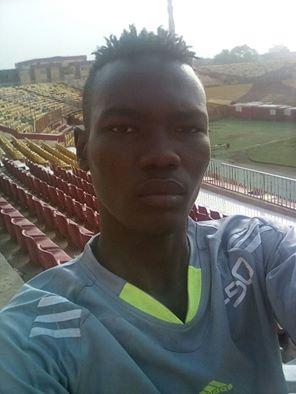 وفاة لاعب المريخ السوداني بعد سقوطه من أعلى السطح