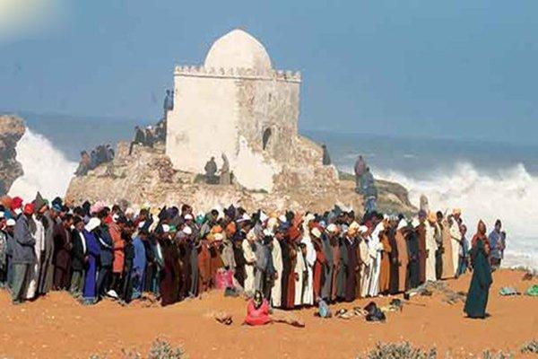 مغاربة يحجون إلى ضريح شاشكال!