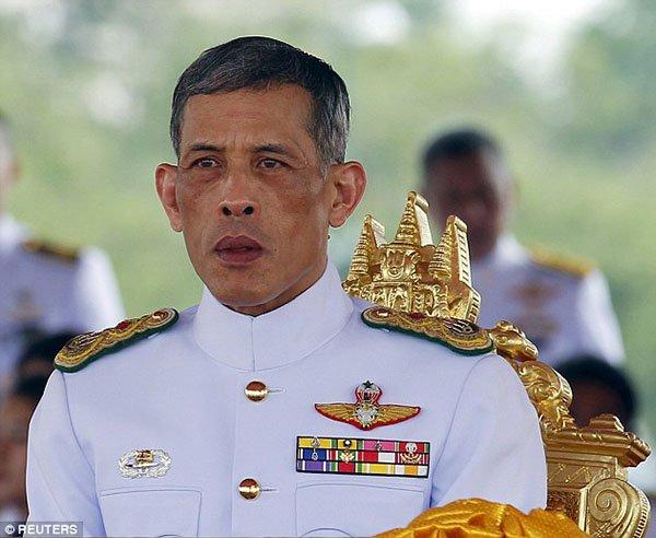 ولي عهد تايلند يتوج بالمٌلك بعد وفاة والده1