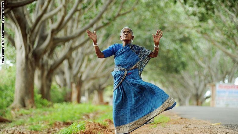 عجوز هندية