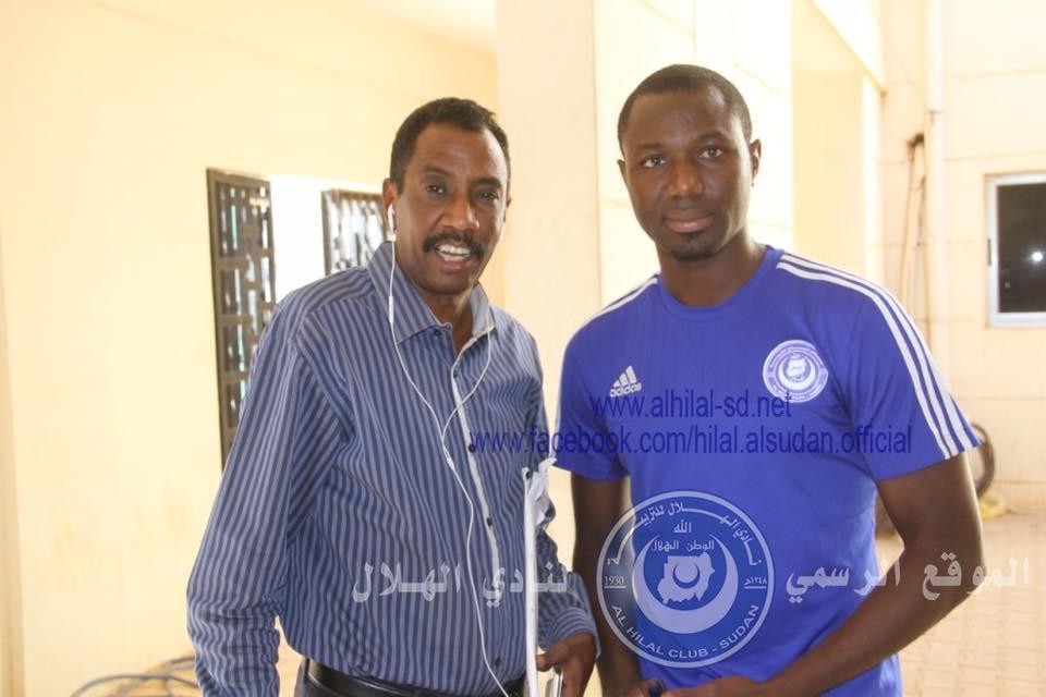 الهلال يفاجئ جماهيره ويجدد عقد النيجيري سلمون بعد يوم واحد من تسجيله