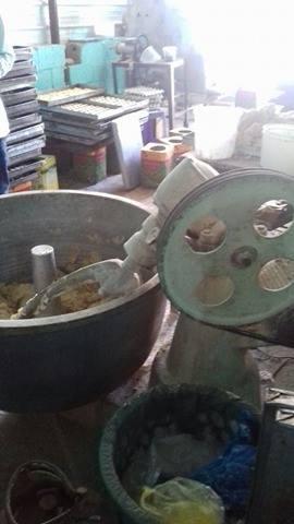 ضبط مصنع حلويات عشوائي ببحري