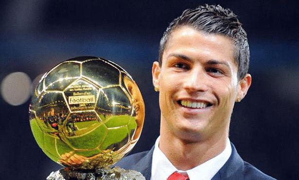 صحيفة إسبانية تعلنها: كريستيانو رونالدو يفوز بالكرة الذهبية