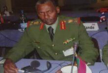 وزير الدفاع ياسين ابراهيم