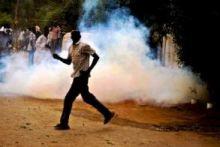 إسحق أحمد فضل الله : جهات تطلق جماعتها لتحويل المظاهرات هذه إلى شيء يُطلق النار على الشرطة