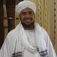 الداعيّة الإسلامي  محمد هاشم الحكيم  يسخر من خبر سجن متهم سرق  خلاطة  من كافتريا الوزارة !