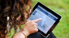 هل يجعل الفيسبوك النساء أكثر تعاسة؟