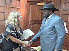 النرويجية الحسناء هيلدا جونسون تغادر موقعها بعد ثلاث سنوات كممثلة للأمين العام للأمم المتحدة بجنوب السودان.. والتوترات بين الجانبين ربّما عجّلت بالرحيل