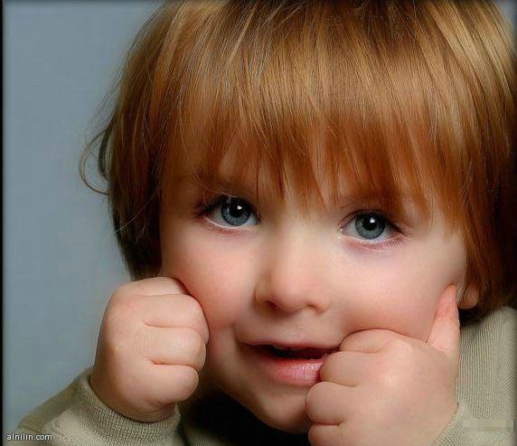 براءة الاطفال الجميله