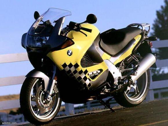 دراجة نارية من بى ام دبليو موديل 2011
