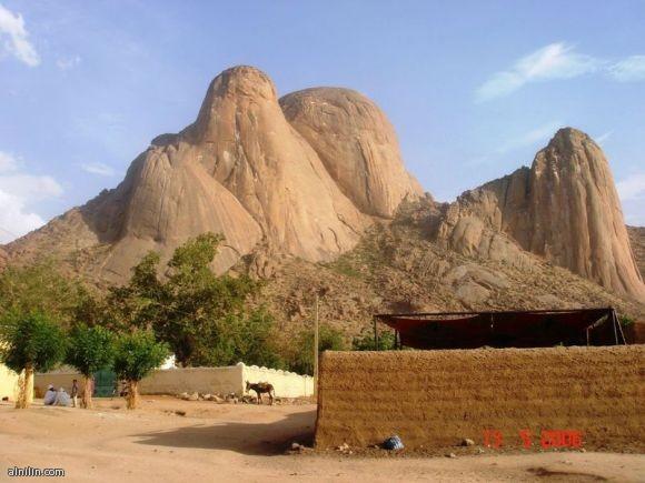 جبل التاكا بمدينة كسلا - شرق السودان.. من المناطق السياحية التي تشهد زيارات متواصلة في السودان.