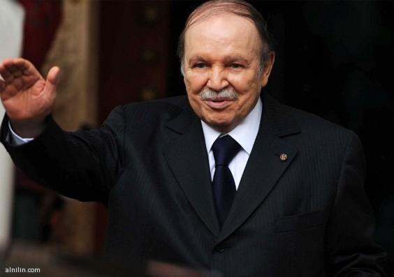بوتفليقة يعود إلى الجزائر بعد علاجه من جلطة نقل على إثرها إلى فرنسا