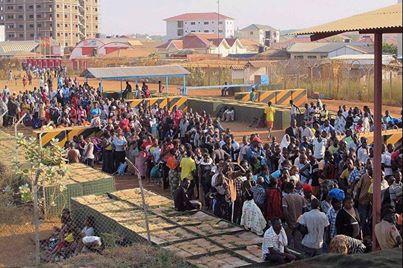نزوح آلاف السكان من مدينة جوبا بسبب المعارك 18/12/2013م
