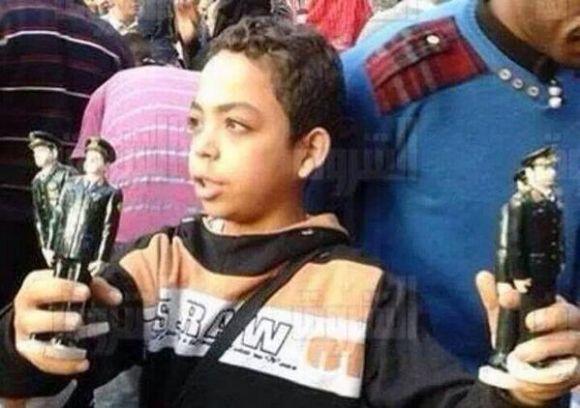 تمثال لوزير الدفاع المصري عبد الفتاح السيسي .. يباع بـ10 جنيهات مصرية