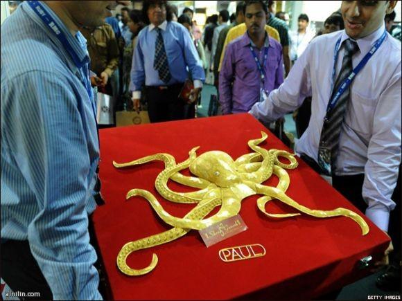 """نموذج بالذهب الخالص للاخطبوط الالماني الشهير بول"""" صنعته شركة هندية قيمته 133 الف دولار"""