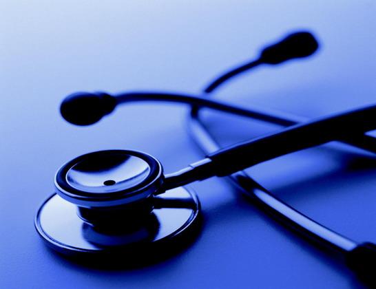 """طبيب يترك """"كلبسات"""" في أمعاء مريضة بمستشفى مدني"""